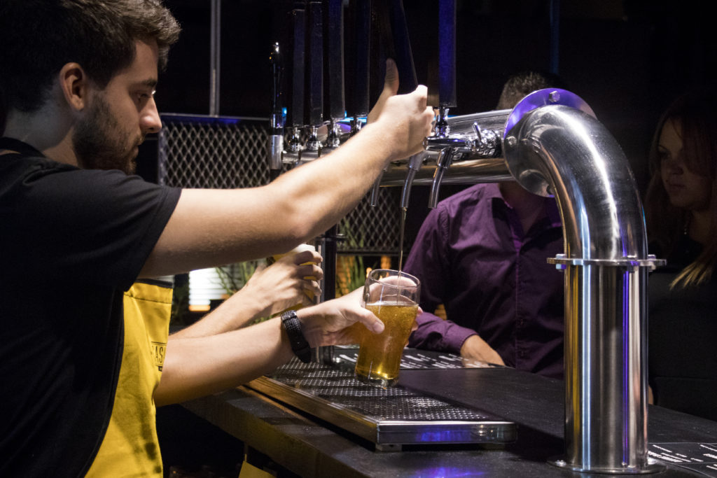 Casanegra, el bar de Checa en Güemes
